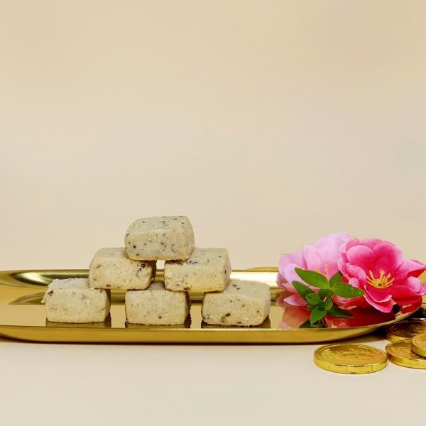Zhen Li Hai – Hazelnut Cookies – Pineapple Tarts Singapore